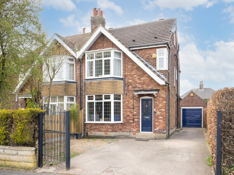 Carr Manor View, Moortown, LS17 5AG